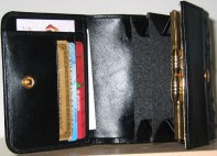 purse inside features